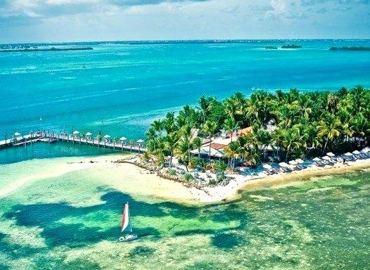 Luxury Beachfront Hotelwww.DiscoverLavish.com